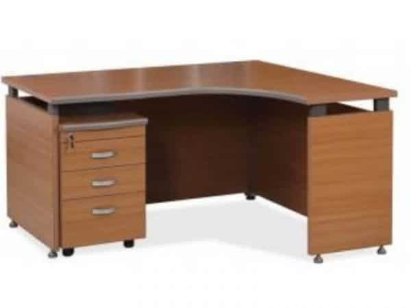 M301 16MO Mahogany cluster desk with blakc PVC edging.